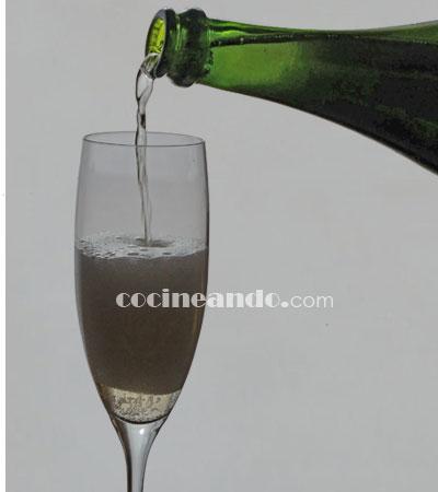 Tipos de cavas y vinos espumosos según su color y su dulzor