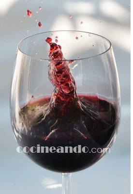 Cómo se elabora el vino tinto