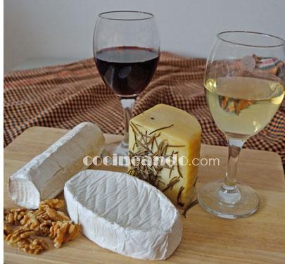 ¿Qué vinos servir con quesos? Maridajes de vinos y quesos tiernos