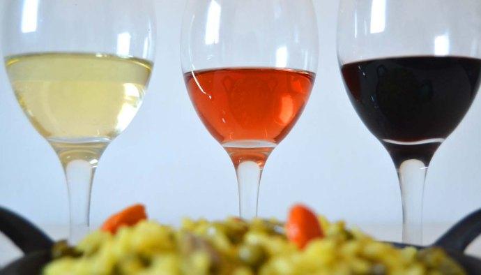 Consejos para maridar vinos blancos, tintos y rosados con diferentes comidas - maridajes de vinos con comida