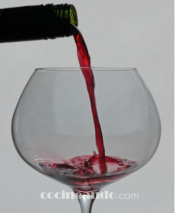Siete claves para servir vinos correctamente: qué cantidad de vino servir