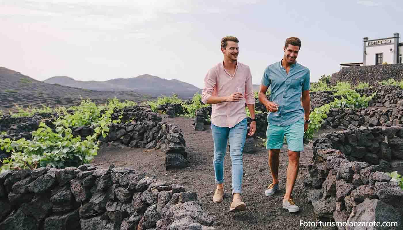 Ruta del Vino de Lanzarote, mares de lava y paisajes de viñedo - enoturismo en España
