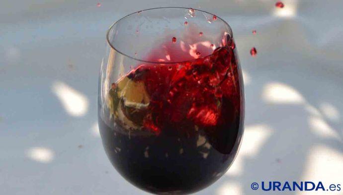 Por el color del vino sabrás su edad - fase visual de la cata de vinos