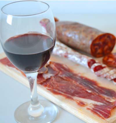 ¿Qué vinos servir con embutidos? Maridaje de vinos tintos y embutidos