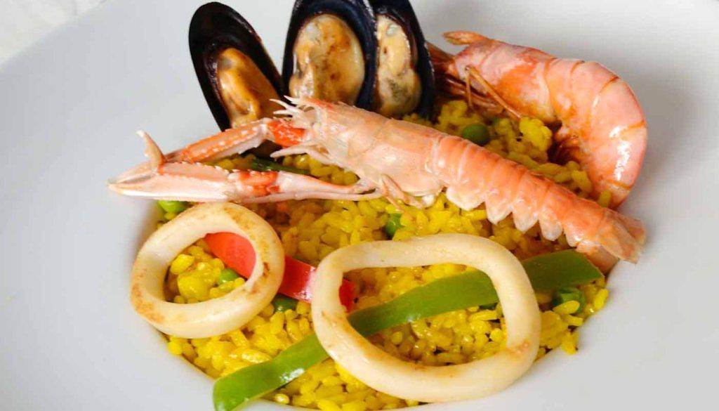 Receta de paella de mariscos - maridaje de vinos y arroces